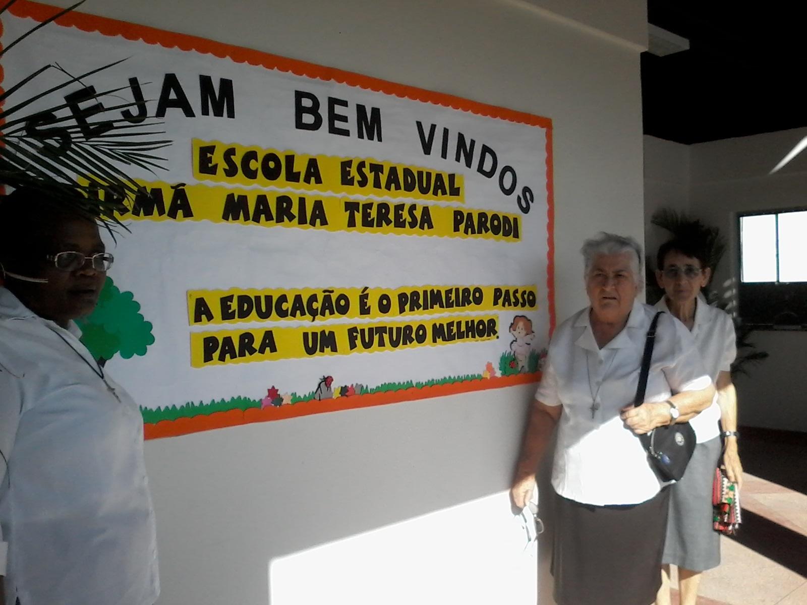Escola Parodi Mural entrada