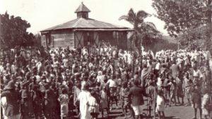 Gikondi-folla-di-kikuyu-per-la-morte-di-Sr.-Irene
