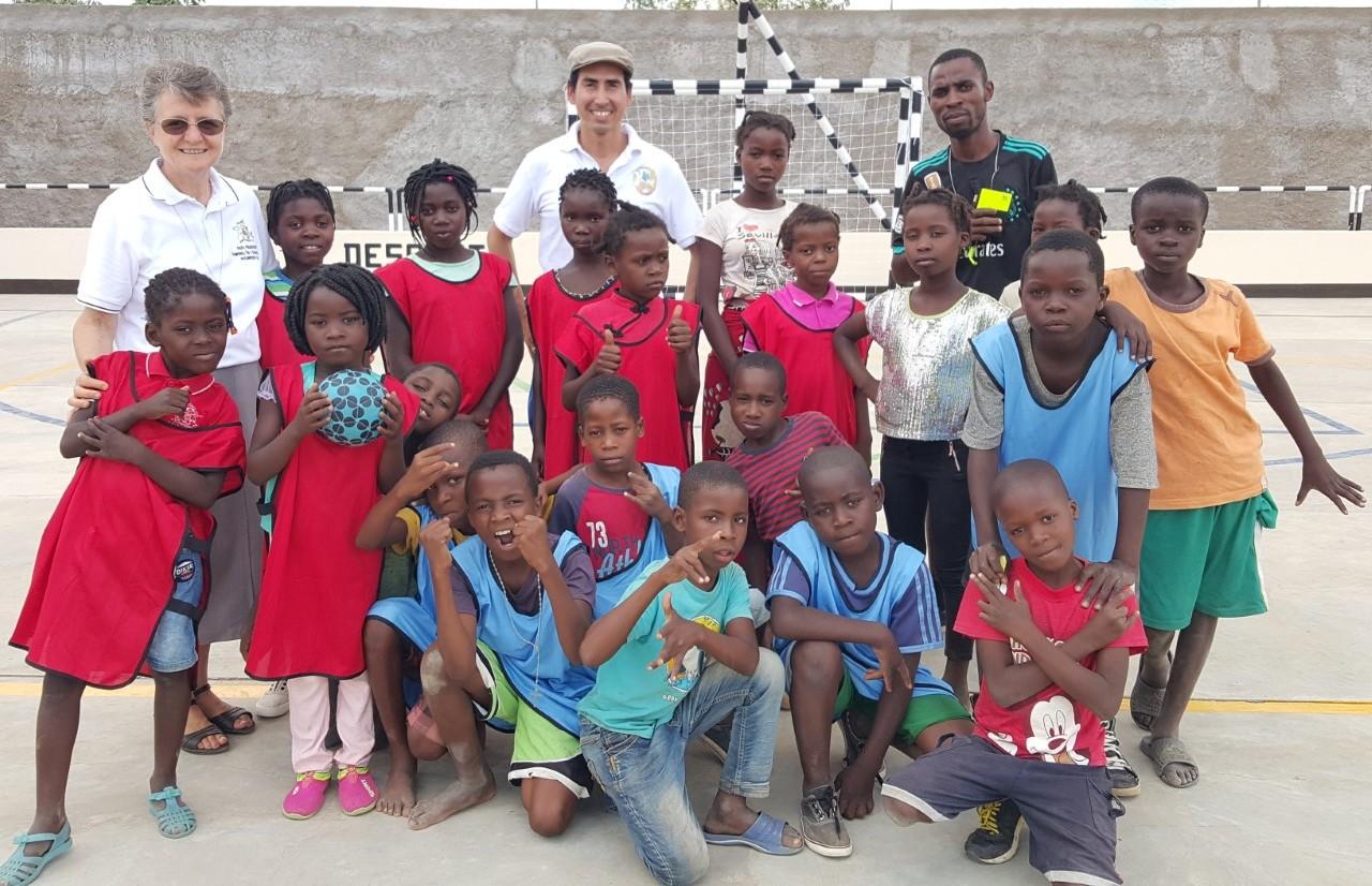 thumbnail_Jogo com as crianças